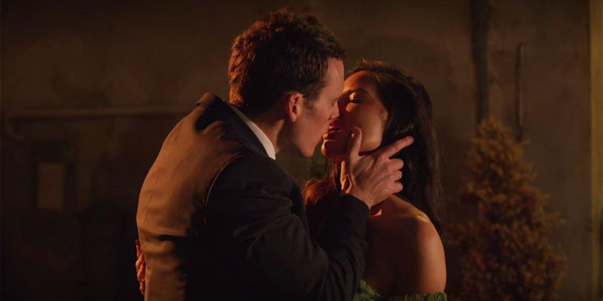 Sam Claflin And Olivia Munn kiss in Love Wedding Repeat