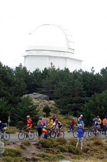 Passing the observatory at the summit of the Calar Alto climb