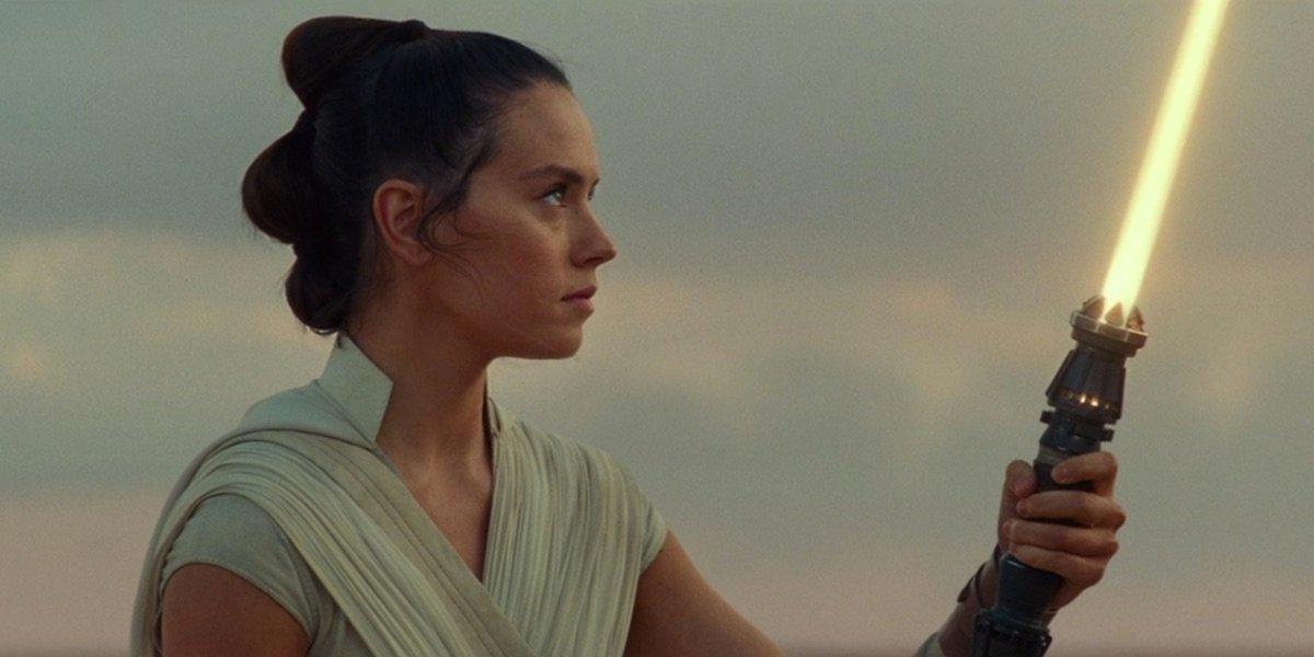 Star Wars: The Rise Of Skywalker Video Reveals The Inside Of Rey's Lightsaber