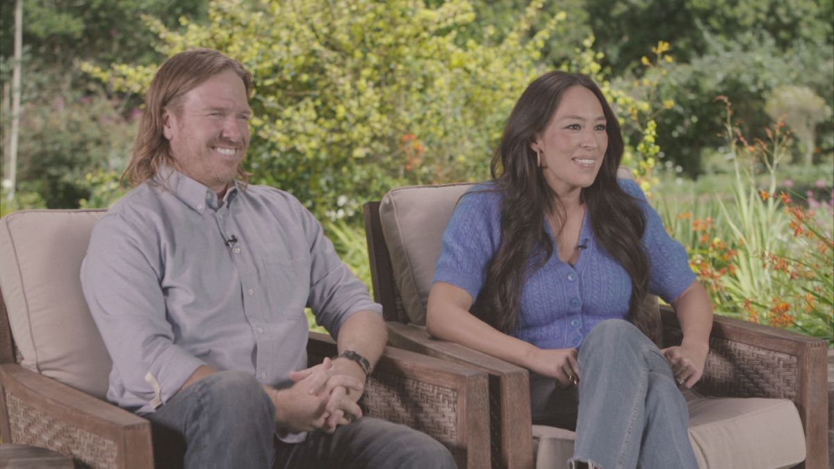 "Chip and Joanna Gaines Share How They Know When God is Speaking to Them on Oprah's ""Super Soul Sunday"""