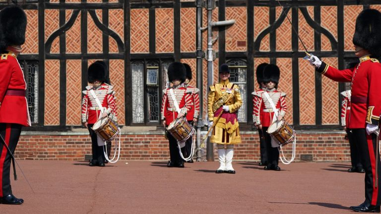 Chnaging of the guards windsor castle