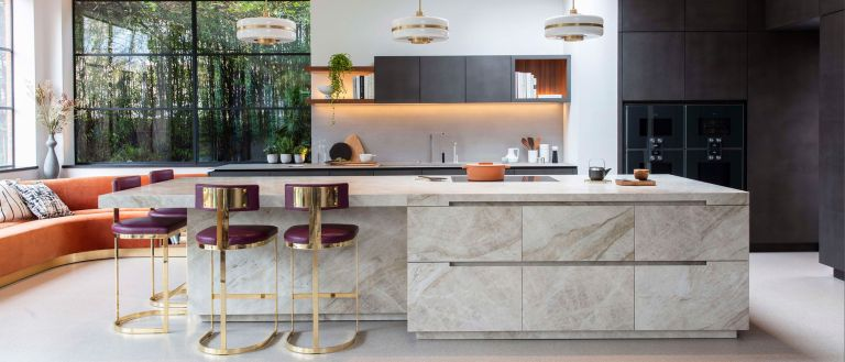 Marble home design: Using marble in a kitchen