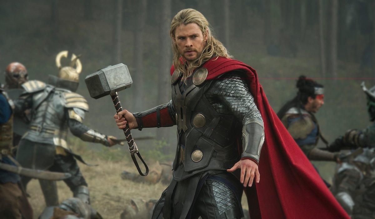 Chris Hemsworth as Thor in Dark World, battle scene