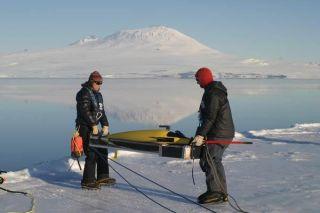 antarctica-glider-110125-02