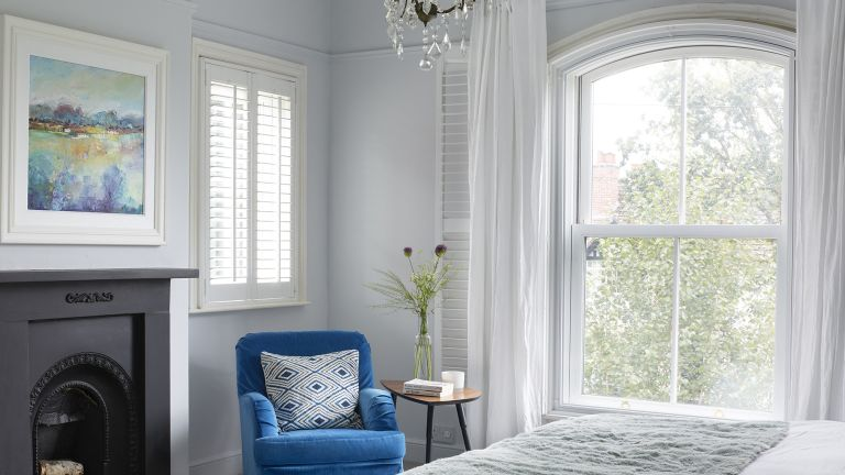 How to paint window frames