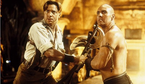 The Mummy Returns Rick and Imothep stare at another obstacle off camera