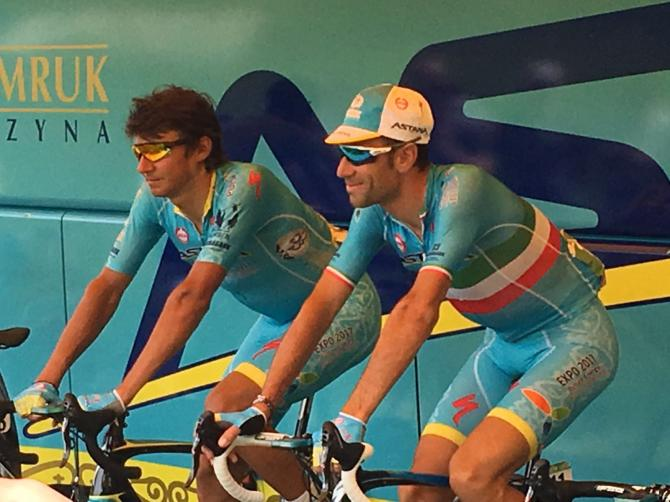 Vincenzo Nibali warms up ahead of stage 20