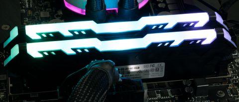 HP V8 DDR4-3600 C18