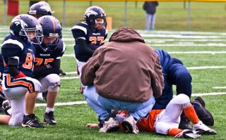 kids-football-injury-100831-02