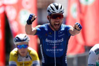 Mark Cavendish wins stage 5 Baloise Belgium Tour