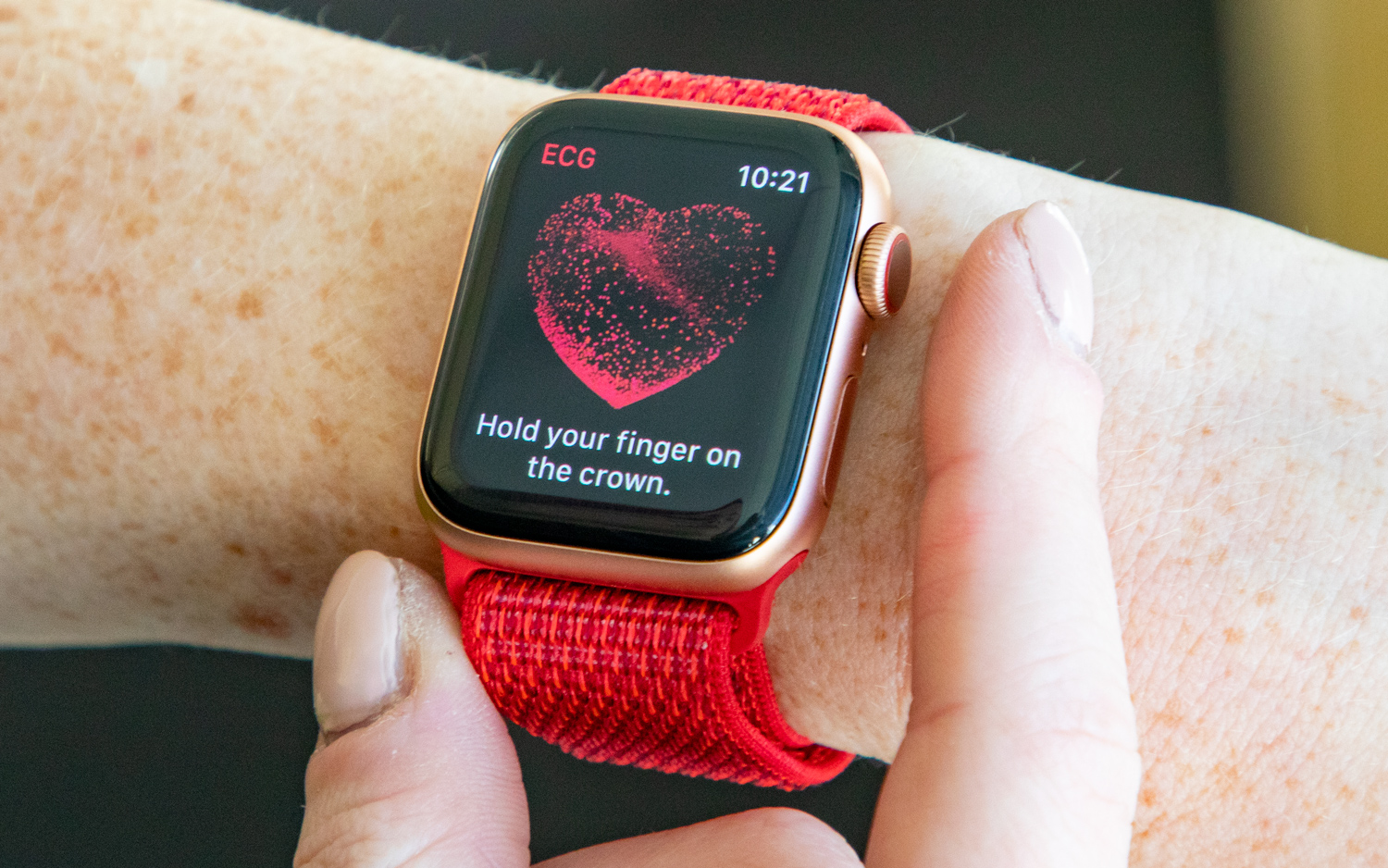 Apple Watch Series 4 Gets ECG App: Here's How to Use It