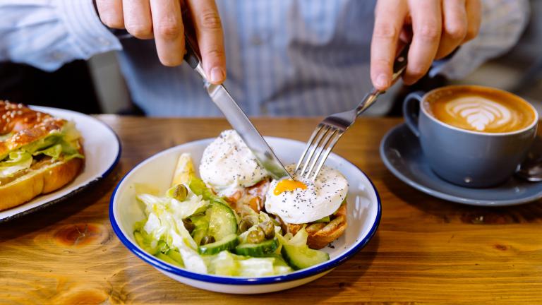 Healthiest way to eat eggs