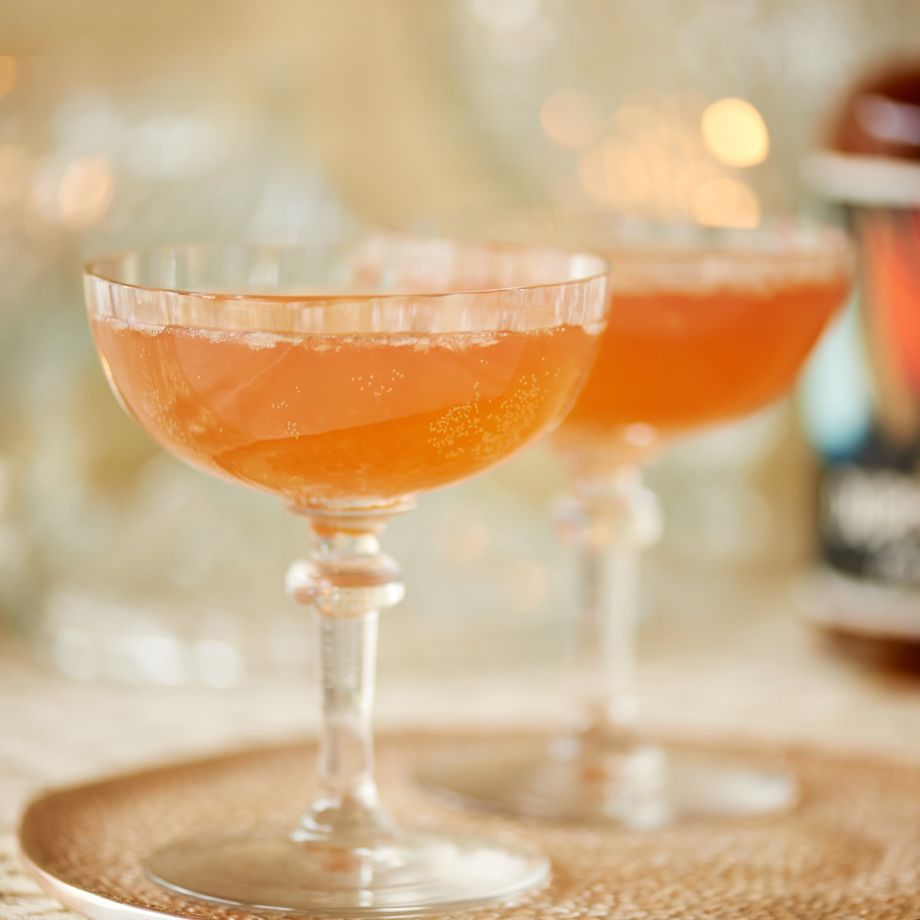 Rum and Ginger Christmas Cocktail Recipe