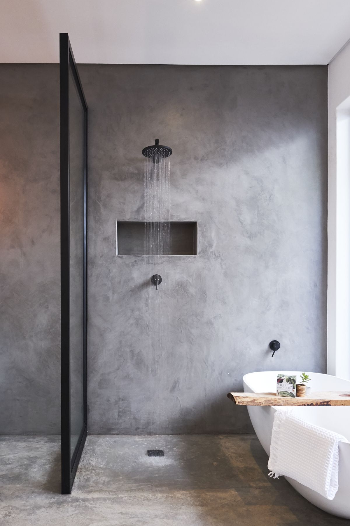 Black bathrooms: 10 ways to bring drama to your smallest ...