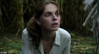 Odessa Young as Frannie Goldsmith.