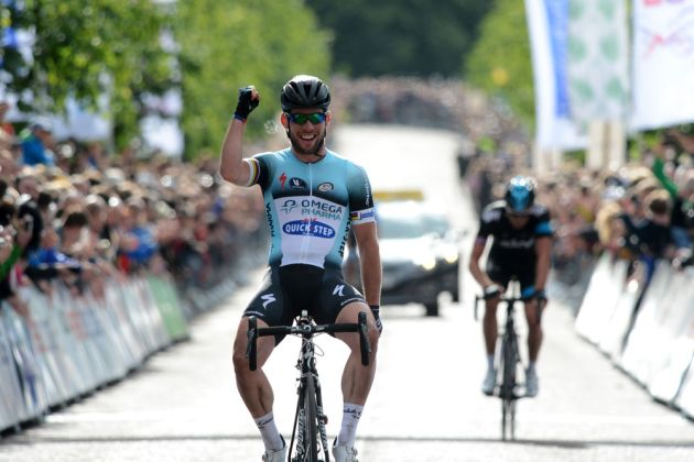 Mark Cavendish wins, British road race national champs 2013