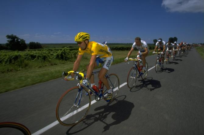 Cédric Vasseur wearing yellow at the 1997 Tour with Gan
