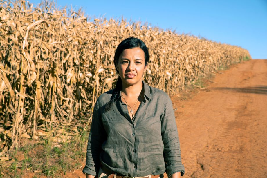 Liz Bonnin in a corn field