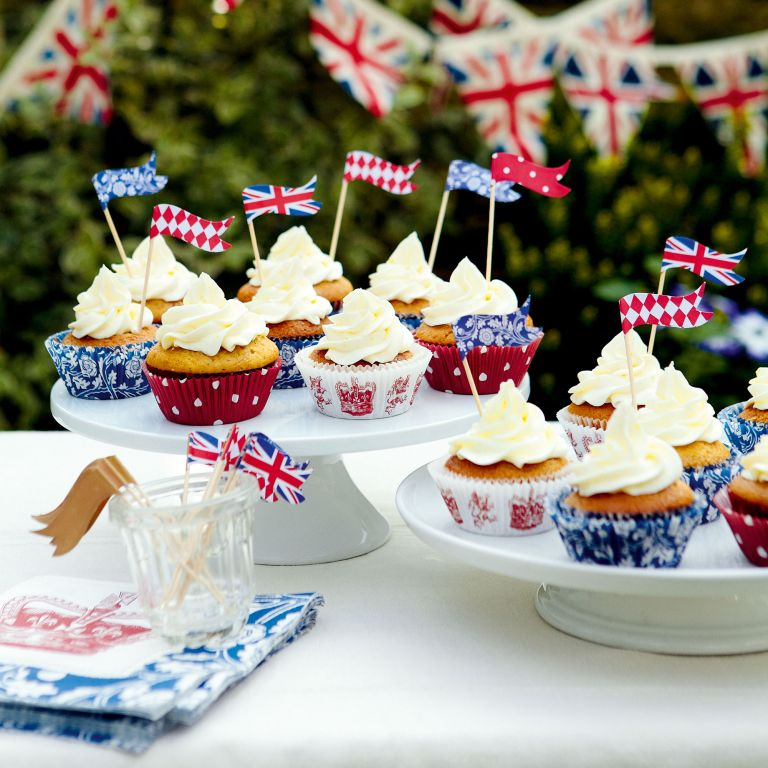 Golden Syrup-cupcakes-lemon icing-Jubilee-woman and home