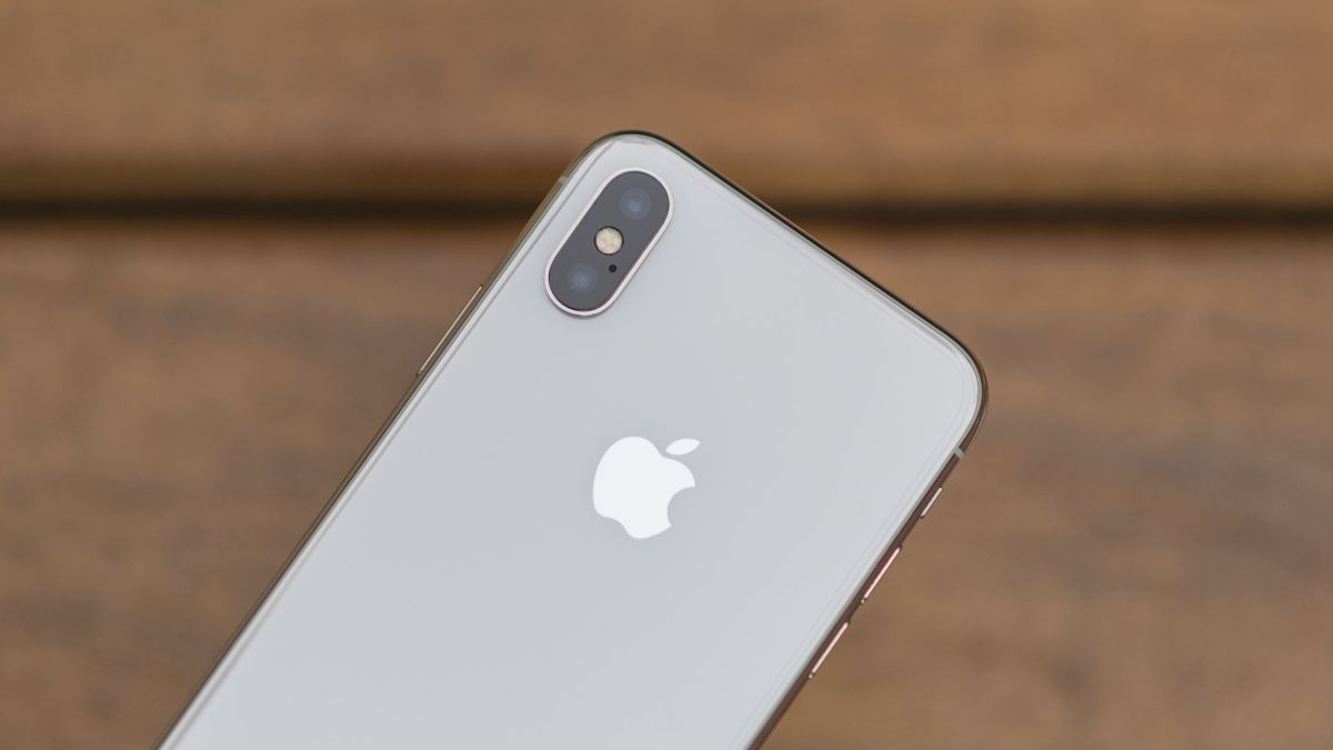 We're yet again hearing about a triple-lens iPhone in 2019
