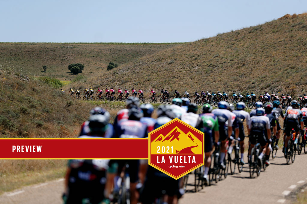 MOLINA DE ARAGON, SPAIN - AUGUST 17: The peloton passing through a landscape during the 76th Tour of Spain 2021, Stage 4 a 163,9km stage from El Burgo de Osma to Molina de Aragón 1134m / @lavuelta / #LaVuelta21 / on August 17, 2021 in Molina de Aragón, Spain. (Photo by Gonzalo Arroyo Moreno/Getty Images)