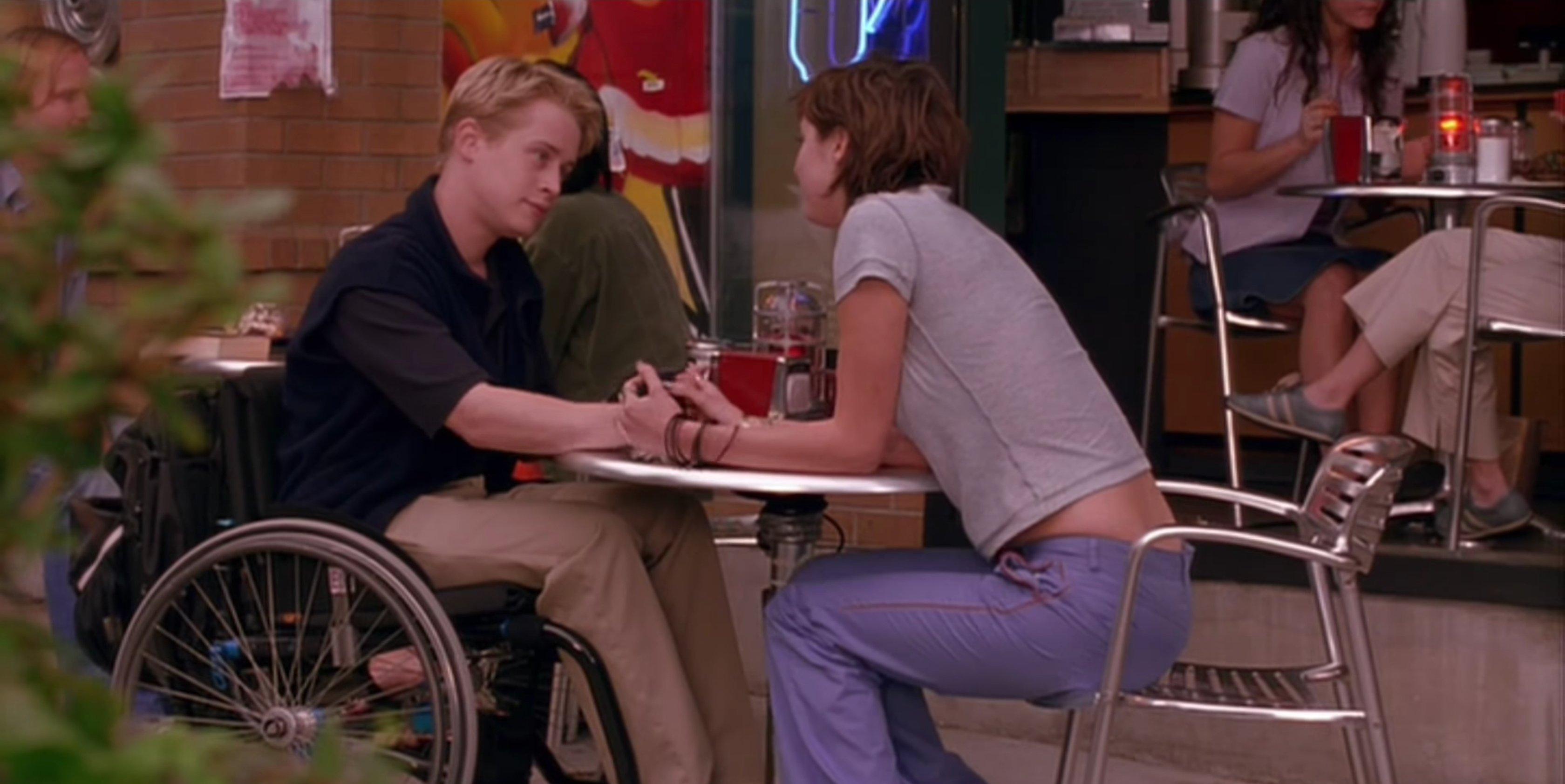 Macaulay Culkin and Eva Amurri in Saved