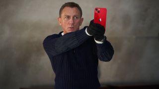 James Bond med en iPhone