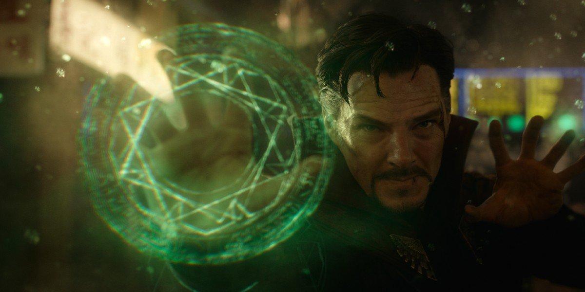 Doctor Strange (Benedict Cumberbatch) casts a spell in Doctor Strange (2016)
