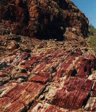 Evidence of a monster asteroid impact were found in ancient sediments at Marble Bar in northwestern Australia.