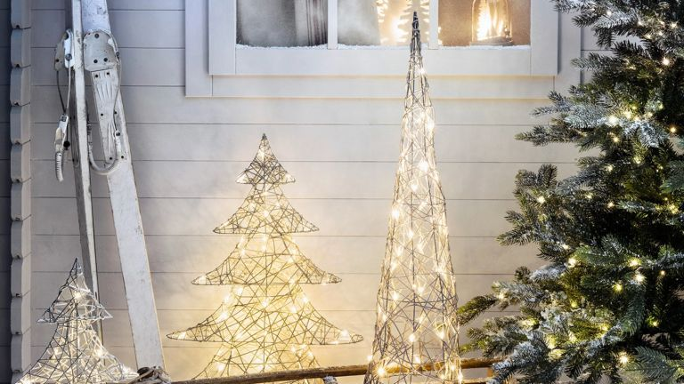 Christmas lighting ideas for outdoors