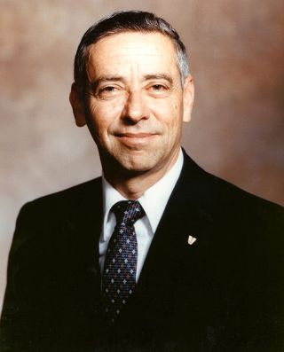 Former NASA Johnson Space Center Chief Aaron Cohen Dies at 79