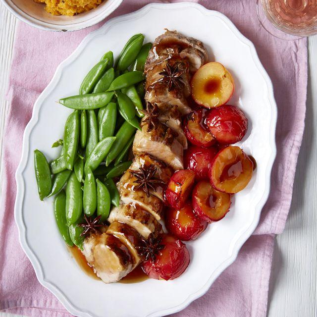 Glazed pork fillet with roasted plums