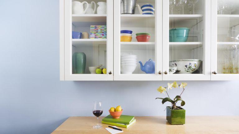 kitchen cabinet organization, organized kitchen cabinets