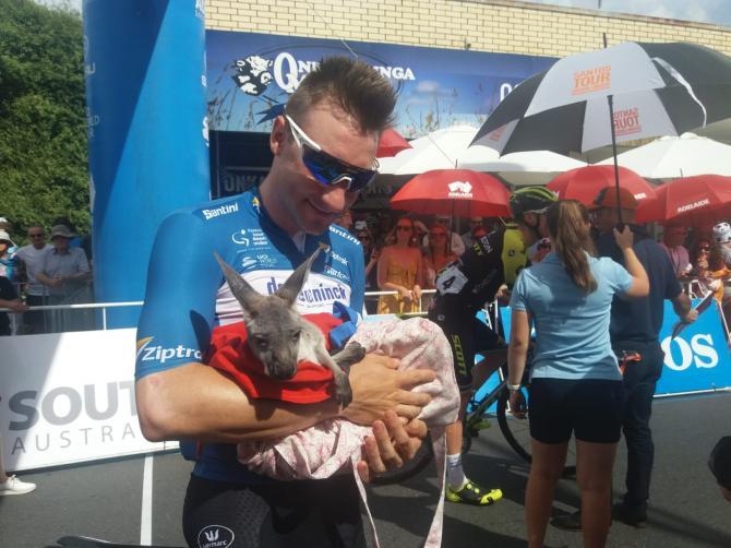 Elia Viviani with a kangaroo at the Tour Down Under