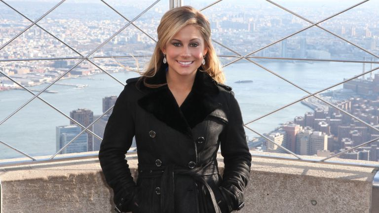 2008 Olympic Gold Medalist and Dancing with the Stars contestant Shawn Johnson visits the Empire State Building
