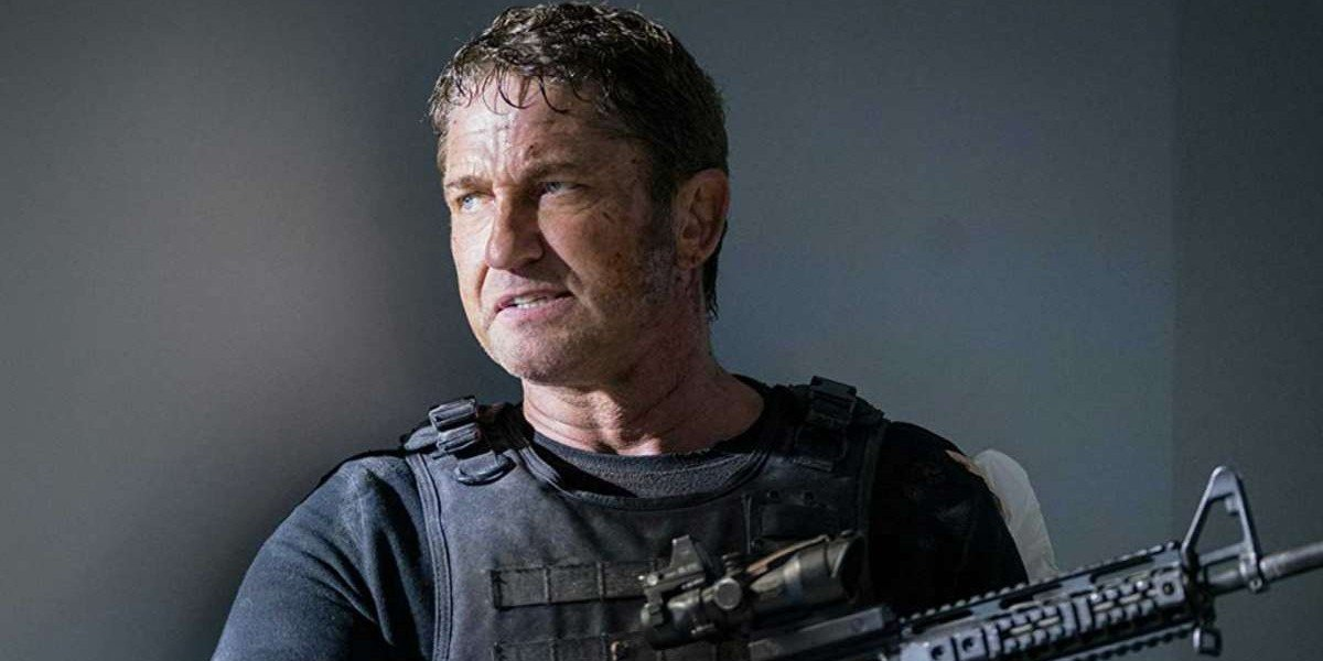 Mike Banning (Gerard Butler) takes cover in Olympus Has Fallen (2015)