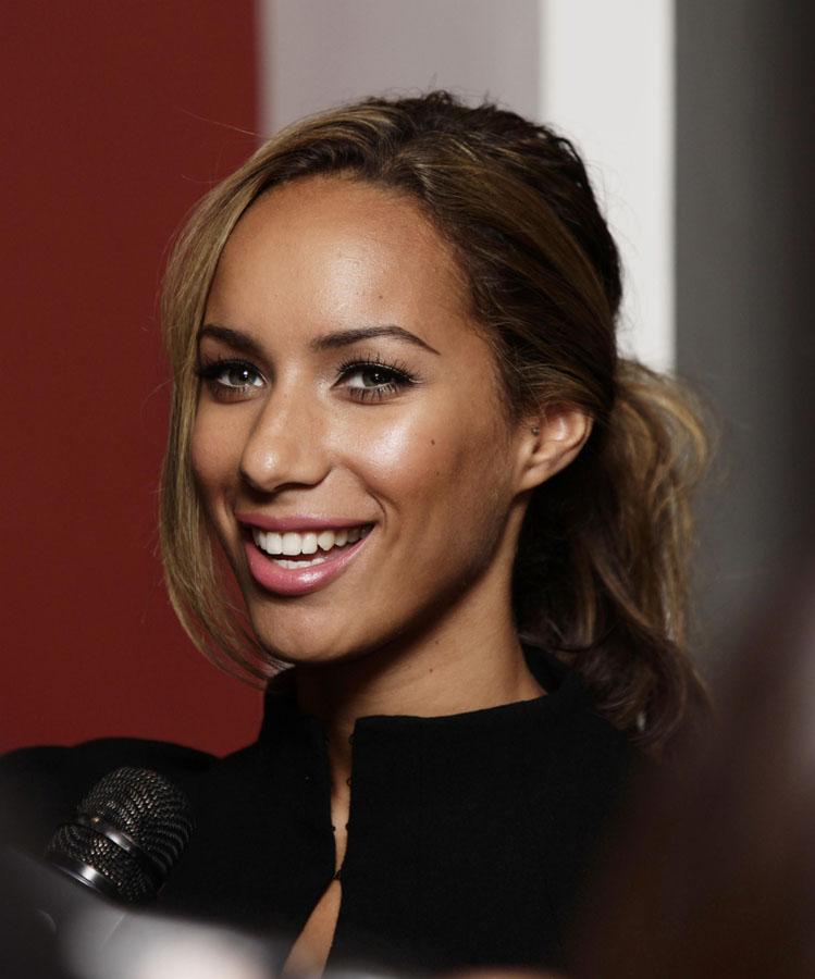 Leona Lewis 'OK' following fan attack (VIDEO)