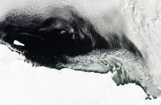 B-15T iceberg Antarctica