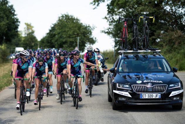 13 women will ride into Paris tomorrow but parity is their finish ... 75529c11c