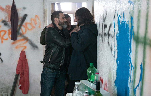 Coronation Street spoilers: Peter Barlow takes risks to find Carla