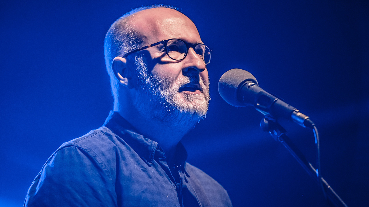 Bob Mould pays tribute to Pete Shelley with Buzzcocks cover | Louder