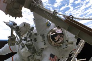 Shuttle Spacewalkers Overhaul ISS Power Grid