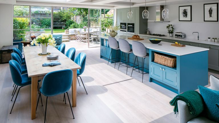 family kitchen ideas with large island