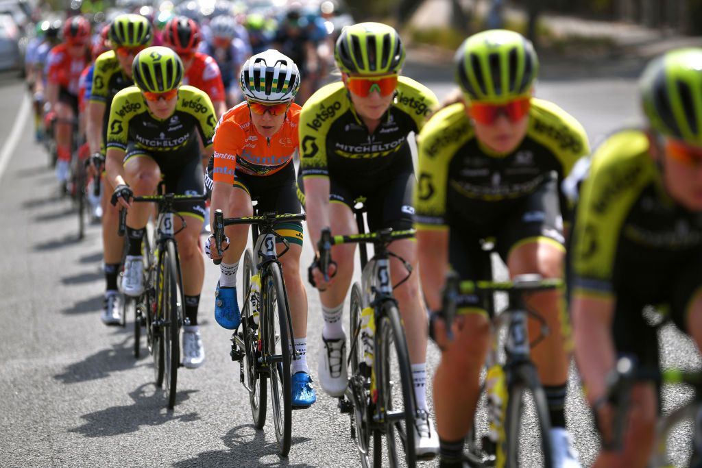 Spratt's hopes of fourth straight Women's Tour Down Under title slip away