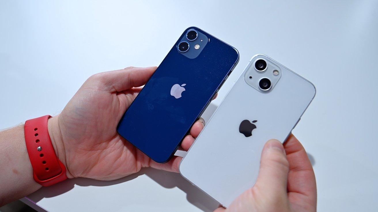 iPhone 12 vs iPhone 13 dummy