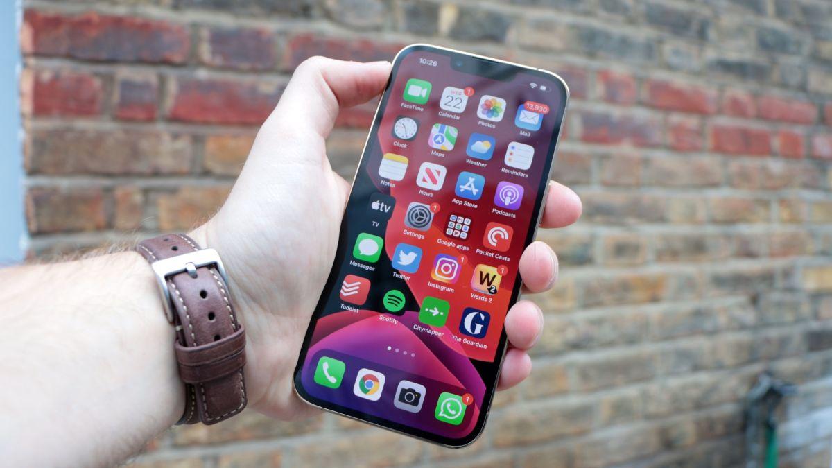 Stor iPhone 13-chipbrist tvingar Apple att minska produktionen med 10 miljoner iPhones
