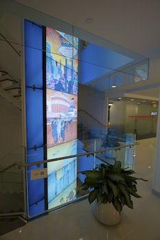 JetBlue HQ Features Digital Signage