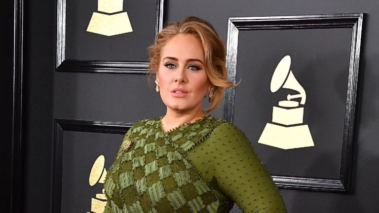Adele arrives at the 59th GRAMMY Awards on February 12, 2017 in Los Angeles, California.