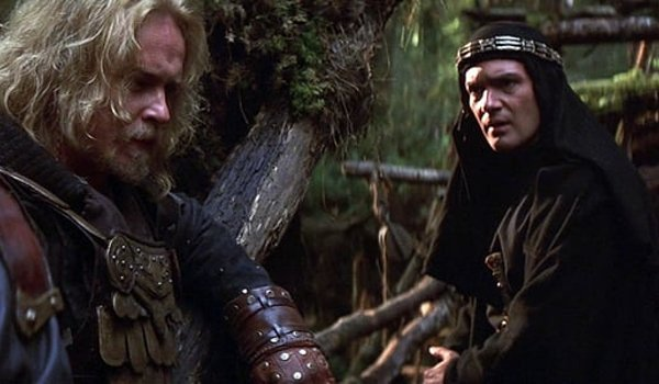The 13th Warrior Antonio Banderas talking with a viking in the woods