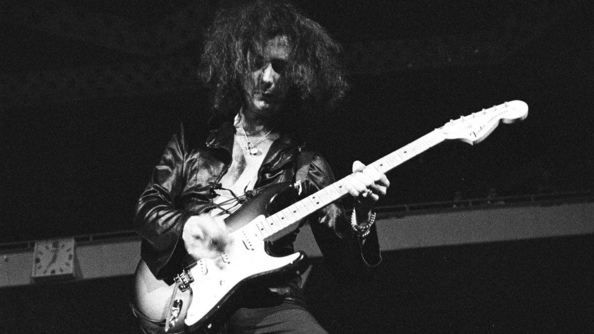 "Classic Tones: ""Smoke On the Water"" – Deep Purple"